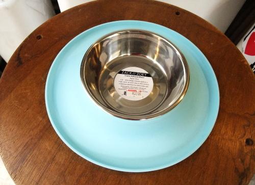 シリコンラバーのフードボウル(犬用食器)