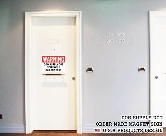 英語や数字・記号でアメリカンなオリジナルマグネット看板が作れるオーダーメイドのマグネットサイン:WARNING(RED)