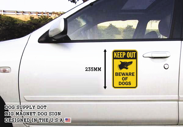 KEEP OUT BEWARE OF DOGS マグネットサイン