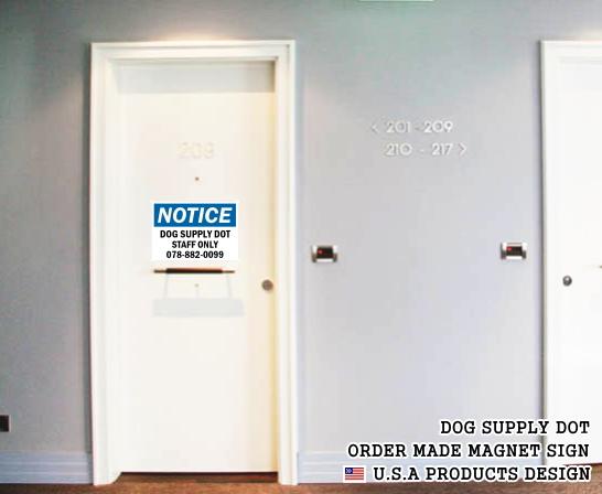 英語や数字・記号でアメリカンなオリジナルマグネット看板が作れるオーダーメイドのマグネットサイン:NOTICE